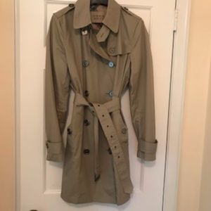 Burberry light Trench